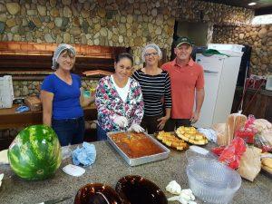 Equipe que organizou e produziu os quitutes do café da manhã